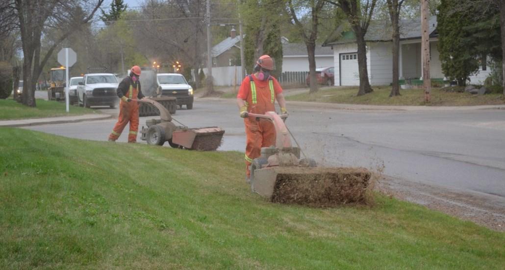 street sweeping crew
